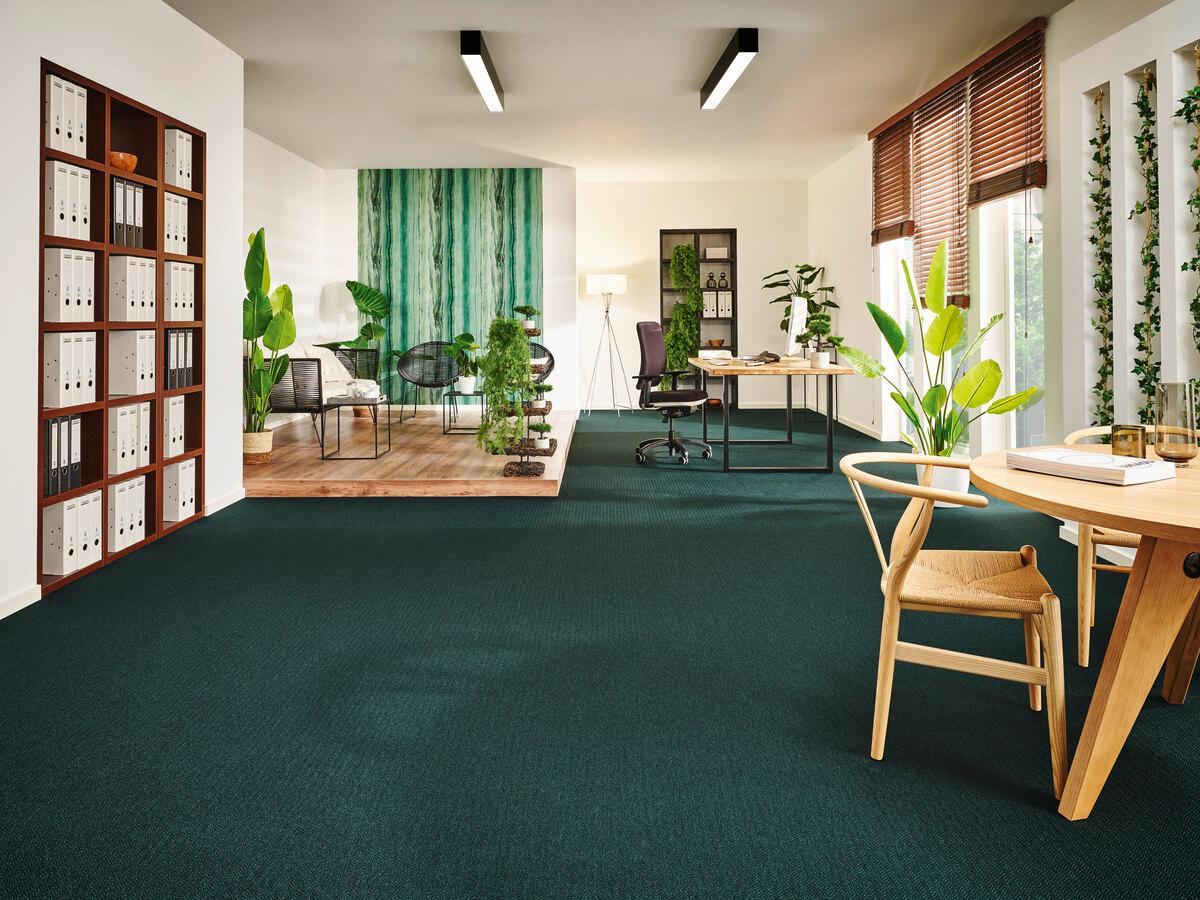 Teppichboden kreiert ein wohnliches Flair und reduziert Trittgeräusche auf ein Minimum - wir beraten Sie bei der Auswahl des richtigen Teppichbodens von Darmstadt bis Aschaffenburg und darüber hinaus!